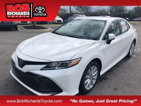 New 2019 Toyota Camry LE